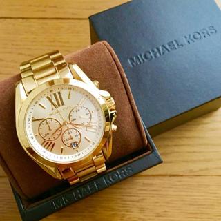 Michael Kors - 【大特価!!】マイケルコース 英字クロノグラフ腕時計 ゴールド 春夏 山や海🎀