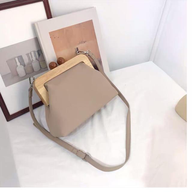 BEAUTY&YOUTH UNITED ARROWS(ビューティアンドユースユナイテッドアローズ)のがま口バッグ レディースのバッグ(ショルダーバッグ)の商品写真