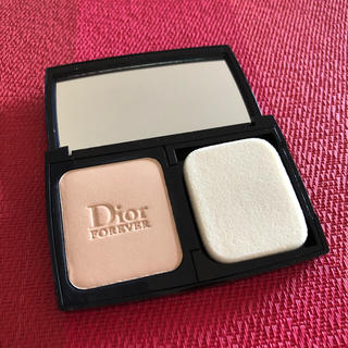 Dior - ディオール スキンフォーエヴァー エクストレム コンパクト ファンデーション