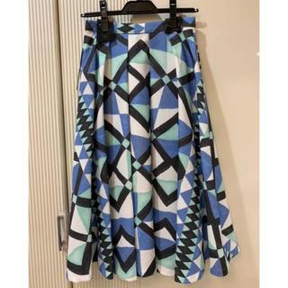 ラグナムーン(LagunaMoon)の半額以下【新品タグ付】ラグナムーン 幾何学プリント フレアスカート(ひざ丈スカート)