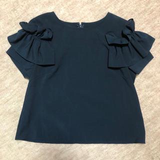 クイーンズコート(QUEENS COURT)のクイーンズコート/肩フリル トップス(カットソー(半袖/袖なし))