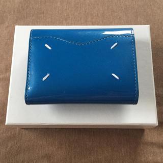 Maison Martin Margiela - 新品 メゾン マルジェラ レディース エンベロープ エナメル 折り財布 ブルー