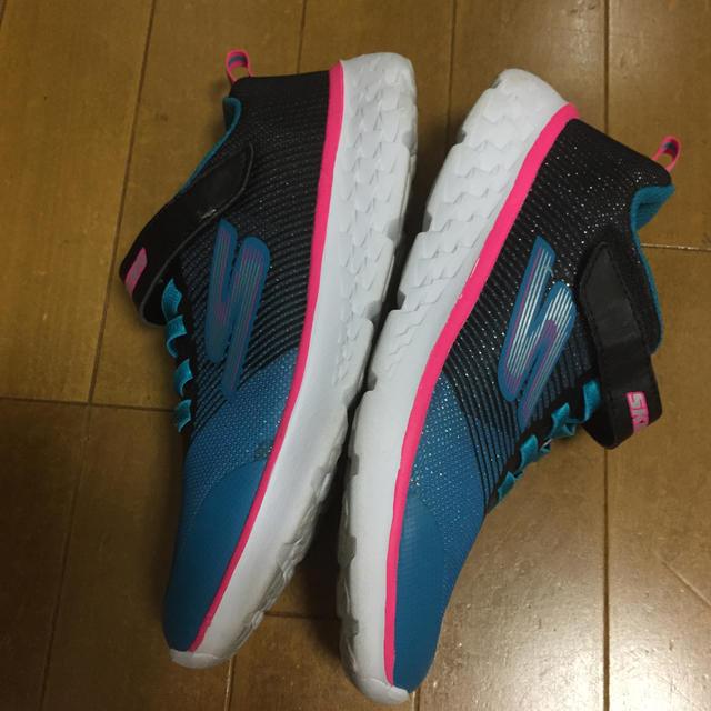 SKECHERS(スケッチャーズ)のスケッチャーズ 22センチ キッズ/ベビー/マタニティのキッズ靴/シューズ(15cm~)(スニーカー)の商品写真