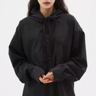 スタイルナンダ(STYLENANDA)のstylenanda フード付き ブラック 黒(シャツ/ブラウス(長袖/七分))