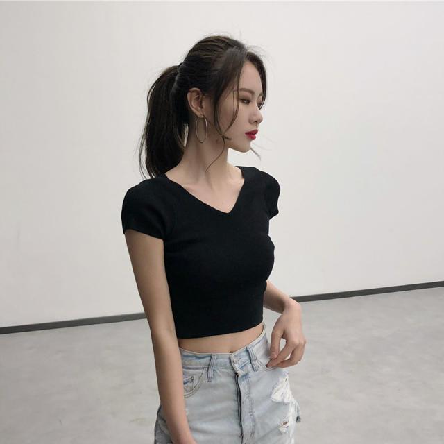 dholic(ディーホリック)のバッククロスデザイントップス(ブラック)韓国 レディースのトップス(カットソー(半袖/袖なし))の商品写真