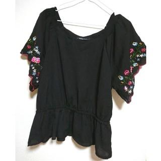 オルベネ(ORBENE)の新品未使用✨刺繍チュニック トップス(シャツ/ブラウス(半袖/袖なし))