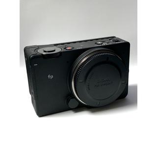 シグマ(SIGMA)のシグマfp レンズキット 別売グリップ&レンズプロテクター(ミラーレス一眼)