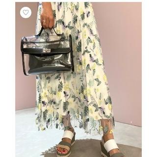 グレースコンチネンタル(GRACE CONTINENTAL)のグレースコンチネンタルフルーツ刺繍プリーツスカート36(ロングスカート)
