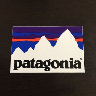 パタゴニア(patagonia)の(縦5.7cm横8.8cm)patagonia公式ステッカー(その他)