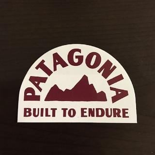 パタゴニア(patagonia)の(縦6cm横8.9cm)patagonia公式ステッカー(その他)