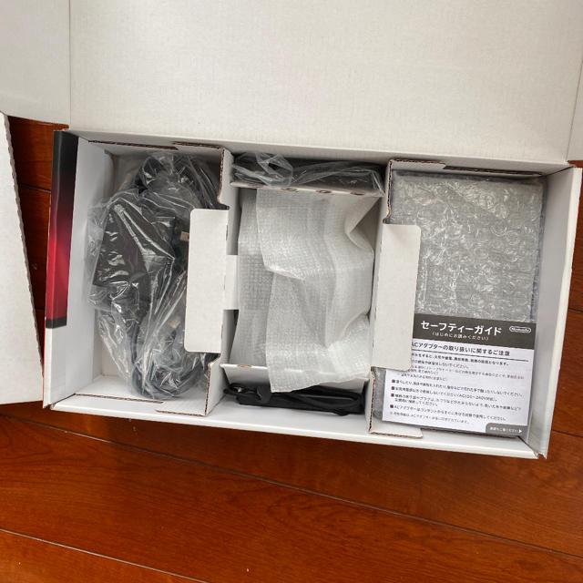 任天堂(ニンテンドウ)のNintendo Switch Joy-Con (L) ネオンブルー/ (R)  エンタメ/ホビーのゲームソフト/ゲーム機本体(家庭用ゲーム機本体)の商品写真