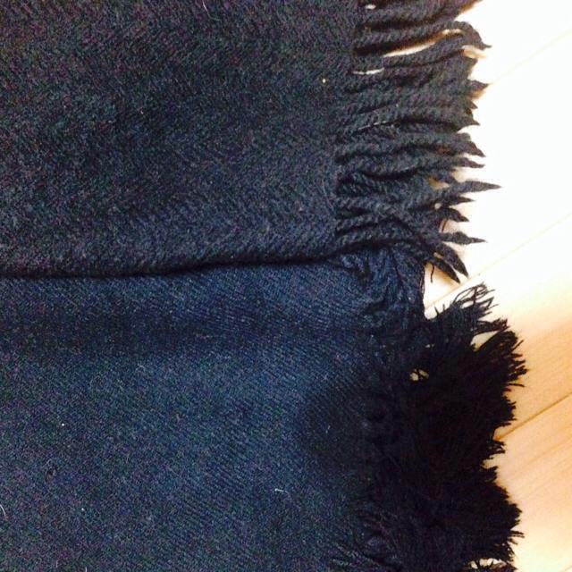 黒のストール レディースのファッション小物(マフラー/ショール)の商品写真