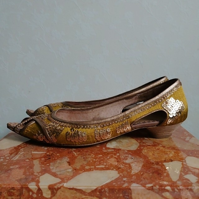 AU BANNISTER(オゥバニスター)のオゥ バニスター  オープントゥ パンプス サテン レディースの靴/シューズ(ハイヒール/パンプス)の商品写真