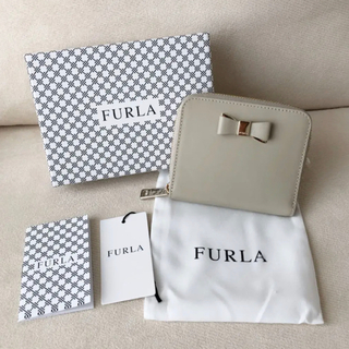 Furla - 付属品全て有り★新品 FURLA ASIA 二つ折り財布 リボン付き グレージュ