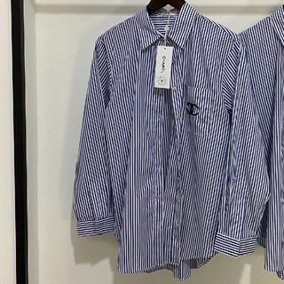 シャネル(CHANEL)の刺繍ロゴ 限定ストライプシャツ (シャツ/ブラウス(長袖/七分))