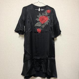 ZARA - 新品★タグ付 ZARA 薔薇刺繍 ブラックワンピース