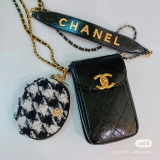 CHANEL - chanelノベルティ携帯 バッグ 新品  2つセット