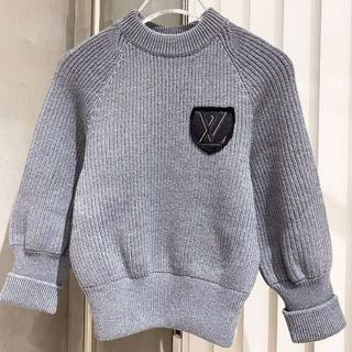 ルイヴィトン(LOUIS VUITTON)の【新作】Louis Vuitton☆可愛いパッチ付きニットセーター(ニット/セーター)