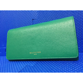 バレンシアガ(Balenciaga)の【希少カラー】BALENCIAGA 長財布 二つ折り財布 レザー (財布)