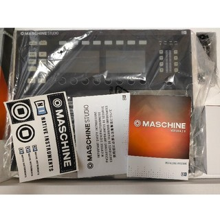 Maschine Studio + KOMPLETE 12 セット販売(MIDIコントローラー)