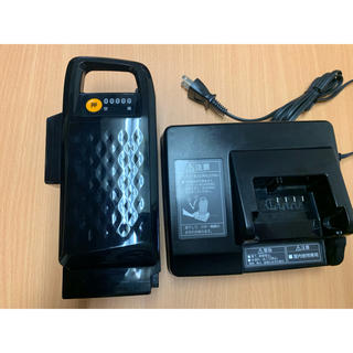Panasonic - Panasonicの電動アシスト自転車の バッテリーと充電器のセット