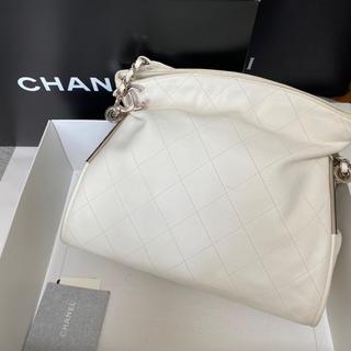シャネル(CHANEL)のCHANEL シャネル バッグ カバン ホワイト(ハンドバッグ)
