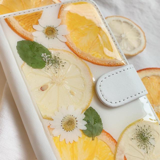 レモンとオレンジの押しフルーツケース 手帳型 ハンドメイドのスマホケース/アクセサリー(スマホケース)の商品写真