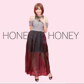 ハニーミーハニー(Honey mi Honey)のHoney mi Honey 佐野ひなこさん着用  オフショルダー ワンピ F(ロングワンピース/マキシワンピース)