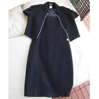 イスタンテ(istante)のVersace istante ブラックのセットスーツ(ひざ丈ワンピース)