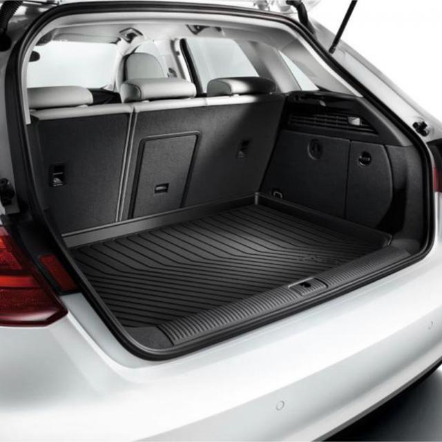 AUDI(アウディ)のアウディ Audi A3(8V) ラゲッジラバーマット 自動車/バイクの自動車(車種別パーツ)の商品写真