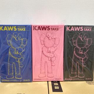メディコムトイ(MEDICOM TOY)のKAWS TAKE 3色セット PINK/BLACK/BLUE カウズ(その他)