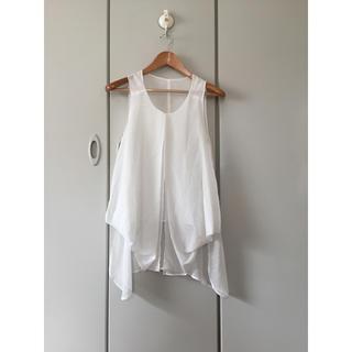 ムルーア(MURUA)のムルーアMURUA白ノースリーブトップス(シャツ/ブラウス(半袖/袖なし))