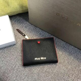 ミュウミュウ(miumiu)のmiumiu 財布 折り財布 小銭入れ 札入れ カードケース (財布)