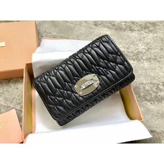 ミュウミュウ(miumiu)のmiumiu 財布 折り財布 (財布)