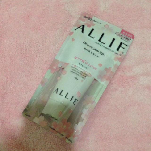 ALLIE(アリィー)のカネボウ アリー🌸限定 日焼け止めジェル  60g コスメ/美容のボディケア(日焼け止め/サンオイル)の商品写真