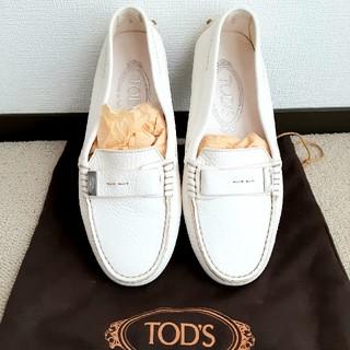 TOD'S - TOD'S レディース ドライビングシューズ オフホワイト 定価80000円