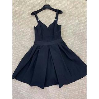 シャネル(CHANEL)の美品CHANEL 吊りスカート ニット 黒 ワンピース(ミニワンピース)