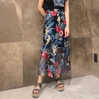 GRACE CONTINENTAL - グレースコンチネンタル ボタニカルバード刺繍スカート