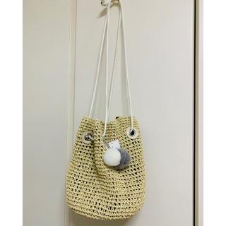 ドレスキップ(DRESKIP)のポンポンチャーム付きペーパー巾着バッグ*タグ付き(ショルダーバッグ)
