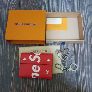 Supreme - 赤色 シュプリーム 折り財布