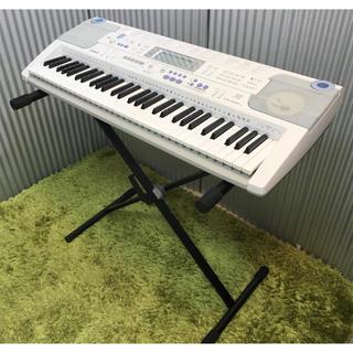 カシオ(CASIO)のカシオ 電子ピアノ スタンド付き♪ LK-203TV(電子ピアノ)