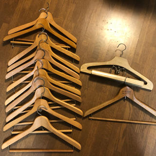 木製ハンガー11本プラスおまけ6本(その他)