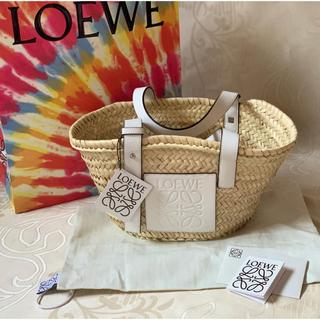LOEWE - タグ付き新品未使用【LOEWEロエベ】バスケットバックSサイズ白