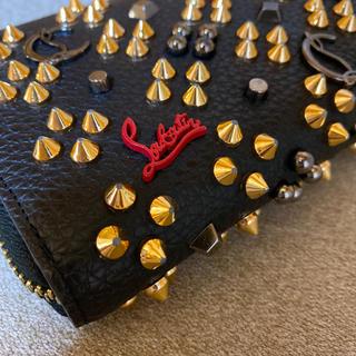 Christian Louboutin - クリスチャンルブタン 財布 高級 人気 お洒落 かっこいい ゴールド×ブラック