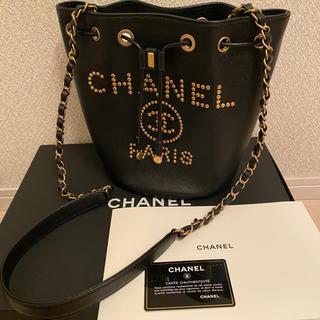 CHANEL - 正規品 新品同様 CHANEL ドーヴィル   巾着型 キャビアスキン スタッズ