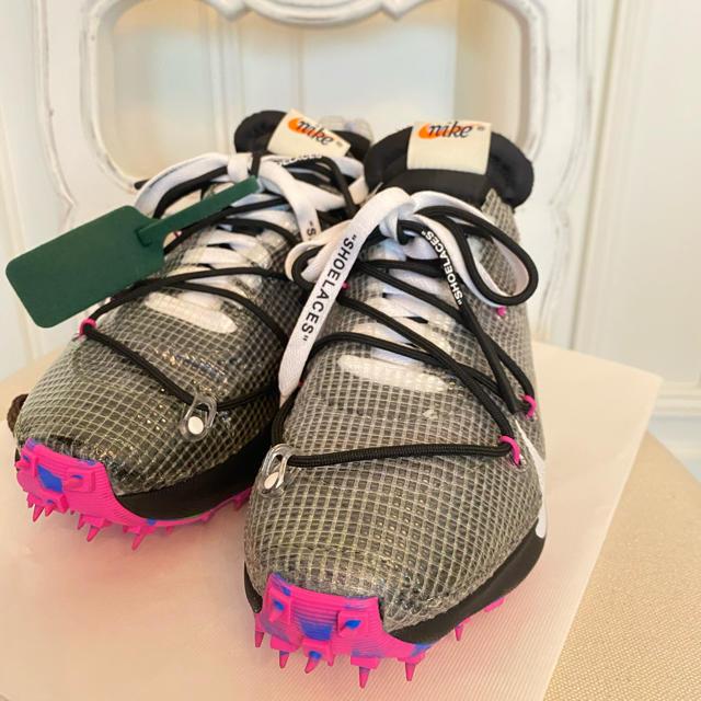 NIKE(ナイキ)の今月中価格‼️ナイキ、オフホワイト  シューズ レディースの靴/シューズ(スニーカー)の商品写真