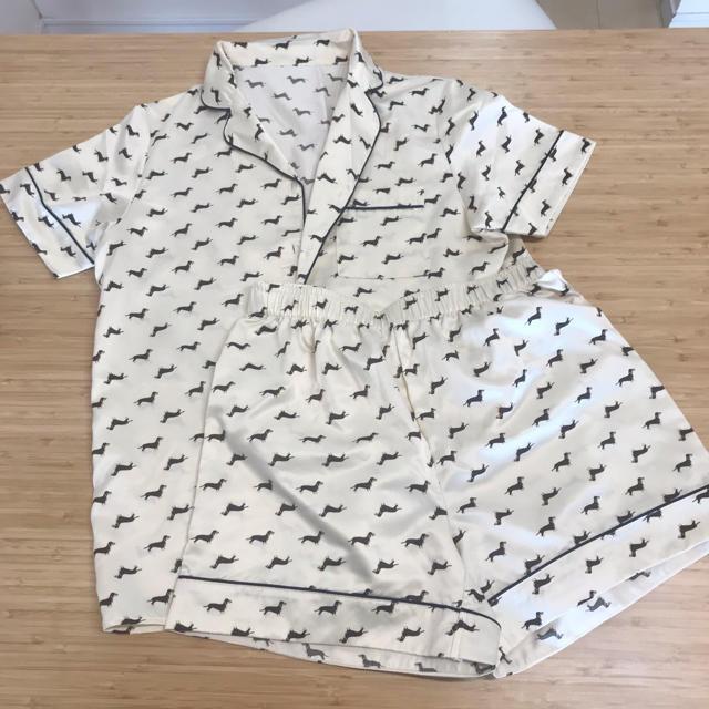 GU(ジーユー)のGU サテンパジャマ S/半袖  レディースのルームウェア/パジャマ(パジャマ)の商品写真