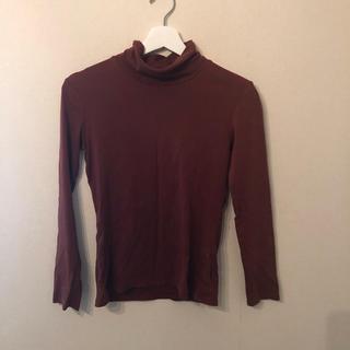 ユニクロ(UNIQLO)のユニクロ スピーマコットン ハイネックT あずき色 バーガンディー Mサイズ (Tシャツ(長袖/七分))