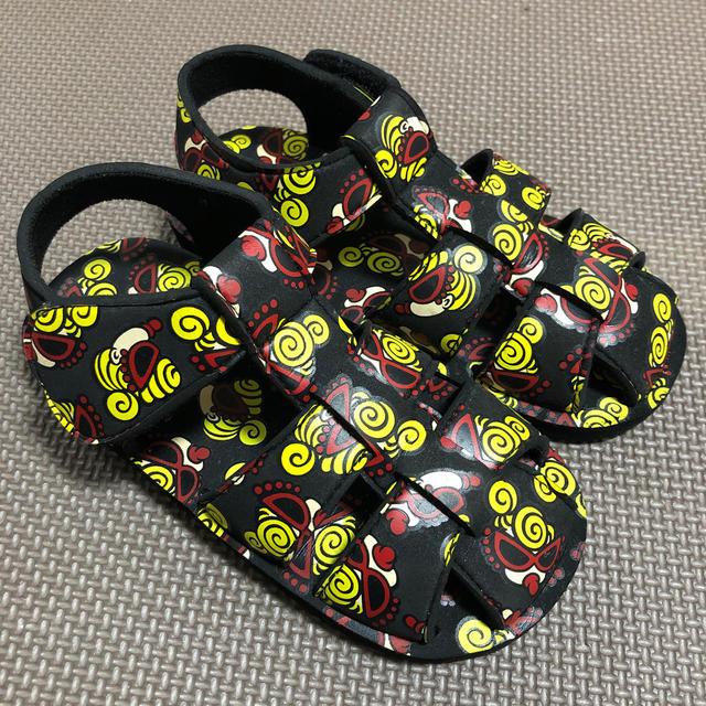 HYSTERIC MINI(ヒステリックミニ)のヒスミニ フェイス総柄サンダル キッズ/ベビー/マタニティのキッズ靴/シューズ(15cm~)(サンダル)の商品写真