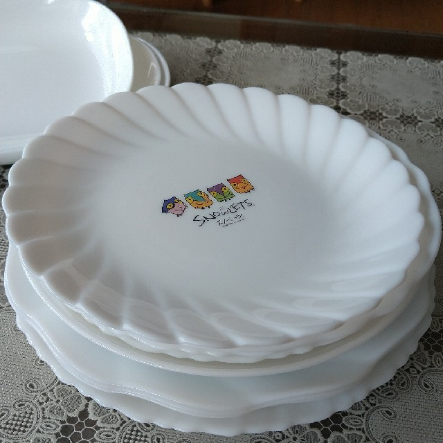 山崎製パン(ヤマザキセイパン)のヤマザキ 白い皿 まとめて20枚 インテリア/住まい/日用品のキッチン/食器(食器)の商品写真